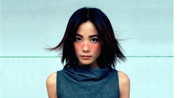 王菲是中国香港歌手,为什么一直在居住在北京呢?
