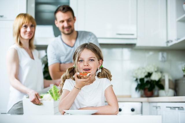 婚后和父母或公婆一起住,是什么样的感觉?