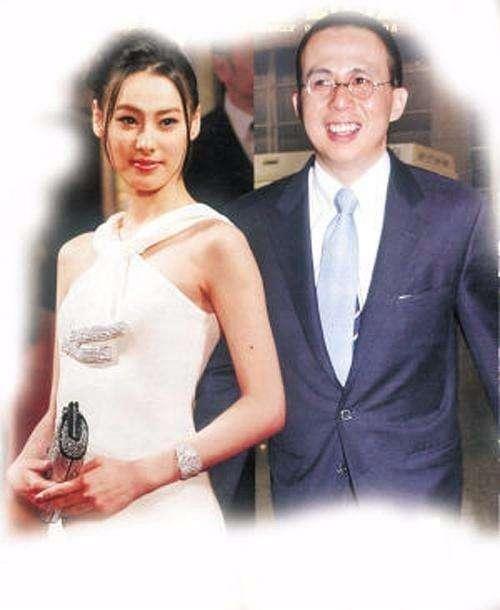 53岁李泽楷与26岁小女友疑生情变,梁洛施是否有机会?
