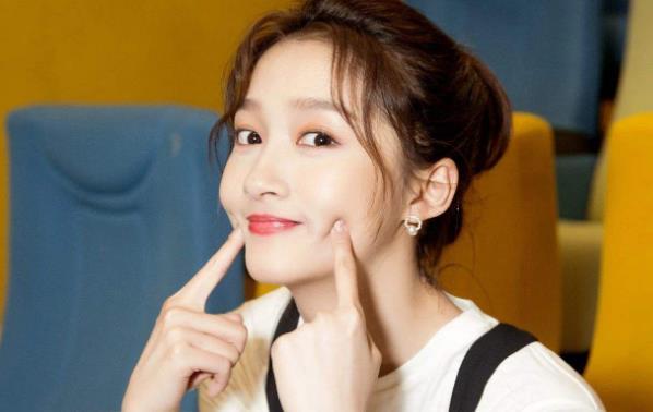 关晓彤漂亮有才华并自信满满,为什么那么多人不喜欢她?