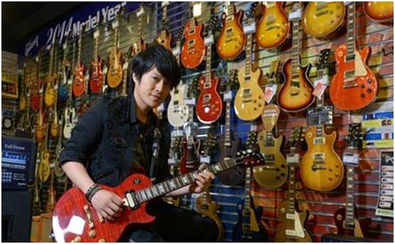 五月天怪兽的吉他到底差在哪里?