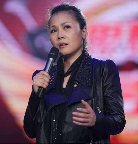 和田震一个年代的女歌手谁的实力更强?