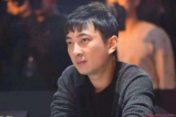 网爆2月5日王思聪和其新女友逛街一事是真的吗?