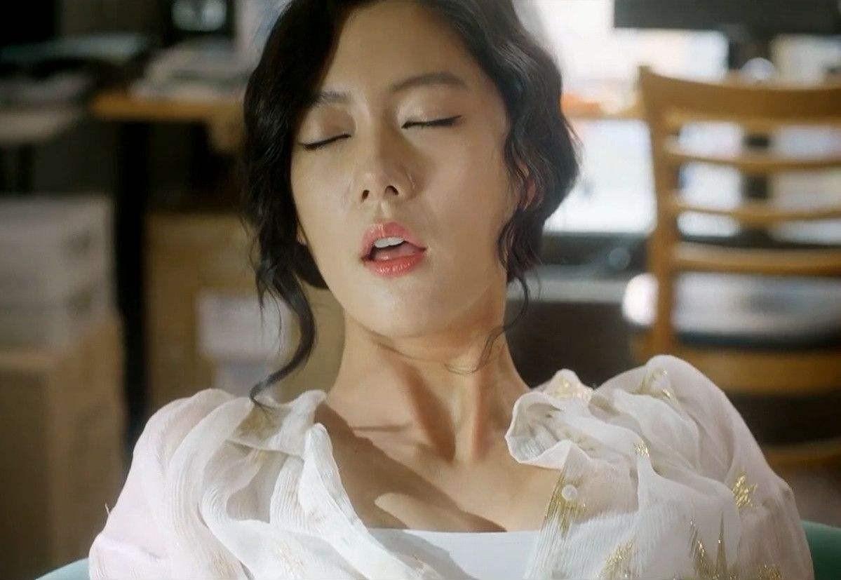 韩国女星李成敏在影视作品里有哪些让人感到惊艳的角色?