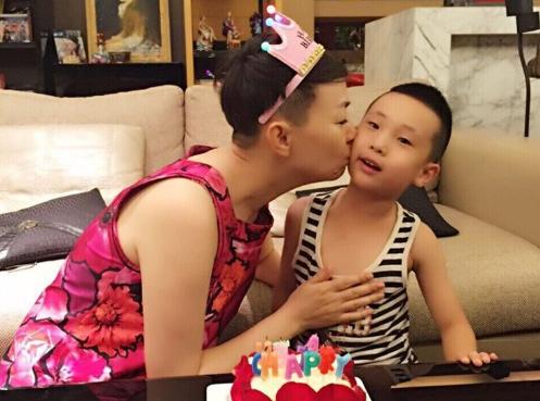 为什么宋丹丹对林大俊比儿子还亲?