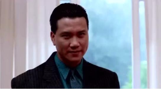 """聊一聊你认为香港黑帮电影中""""最有范""""的老大是谁?"""