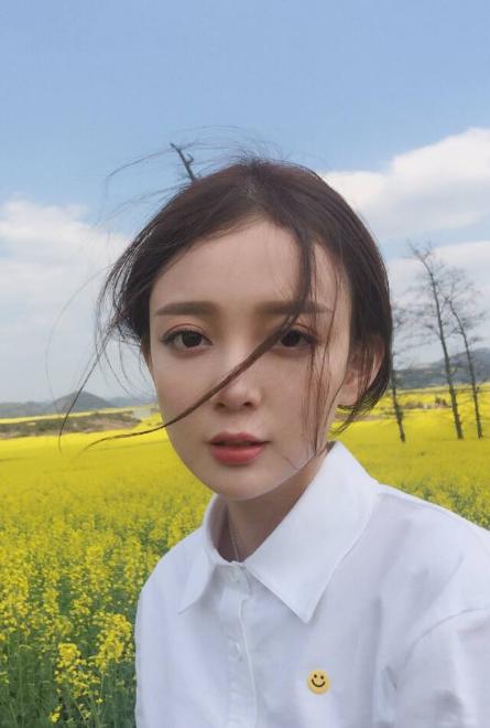 美女歌手汪小敏,颜值、身材、才华都不差,为啥不红呢?