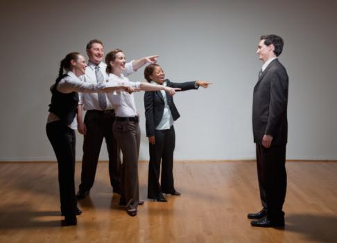 我不会交际,这会影响我和同事们的感情吗?