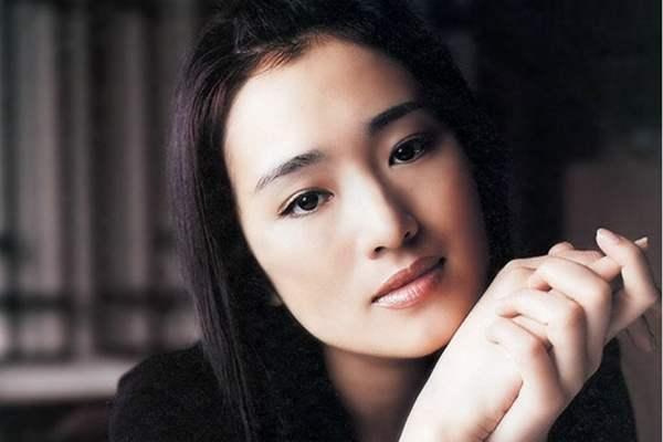 巩俐和张曼玉,谁才是华人第一女演员?