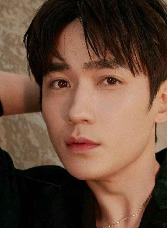 你觉得新生代演员中,谁能扛起中国电影电视的大旗?