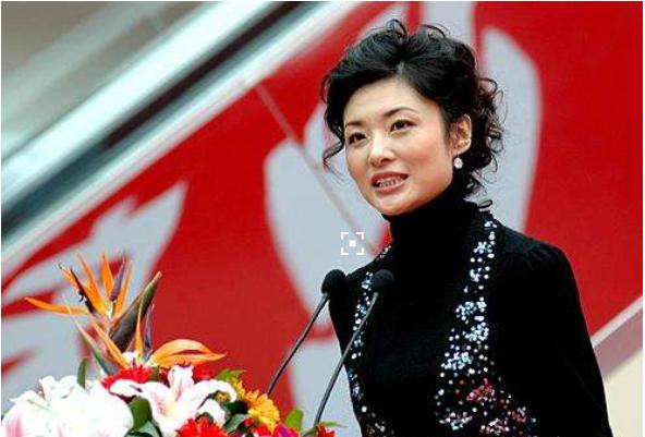 曾荣获中国宋庆龄基金会公益殊荣的周涛,她在公益上到底有多用心?