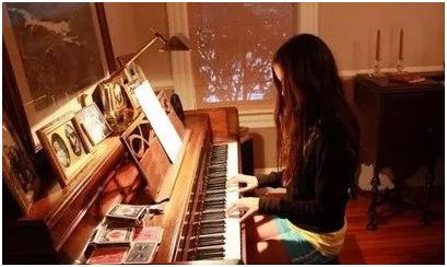 有一个学钢琴的女朋友是什么体验?