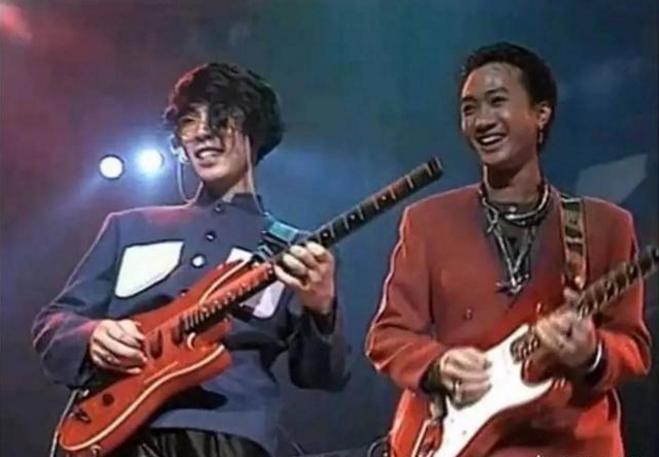 你觉得汪峰和黄家驹,谁的吉他水平高?为什么?