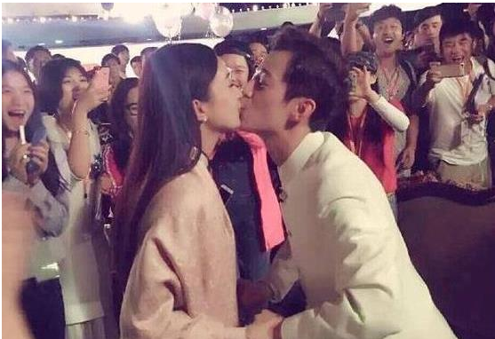 赵丽颖婚后为何与昔日好友何炅互删微博?难道是另有隐情?