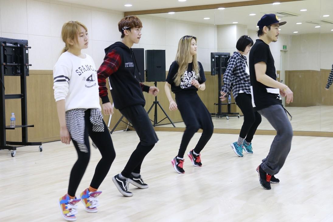 韩国有什么经久不衰的娱乐组合?