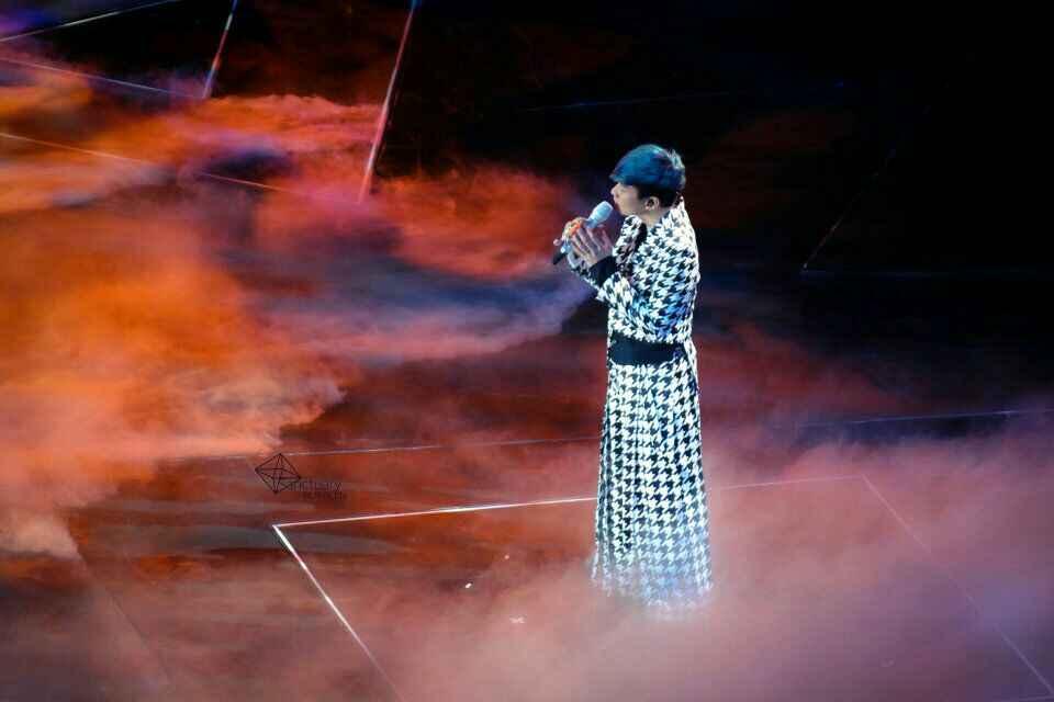 你现在怎么看歌手林俊杰啊?